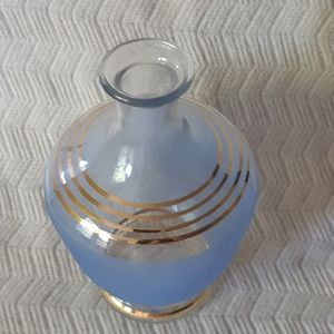 Vintage Beautiful bleu Glass VASE 8'' inches tall